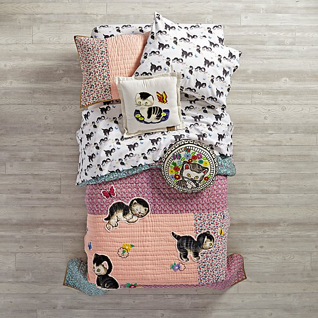 Shy Little Kitten Girls Bedding